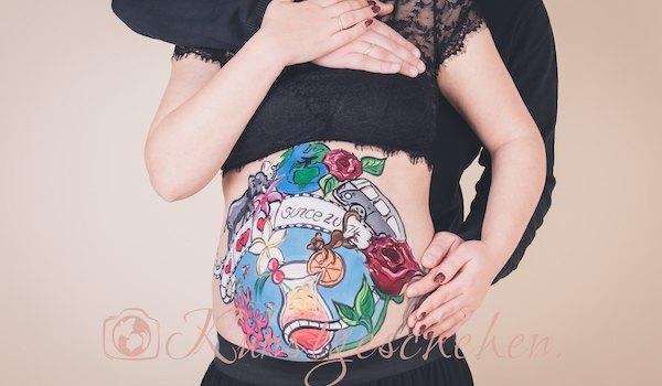 Babybauchbemalung mit Schwangerschaftsfotografie