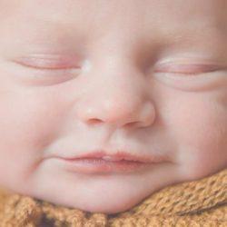 Neugeborenenshooting in Hannover mit Baby Ari